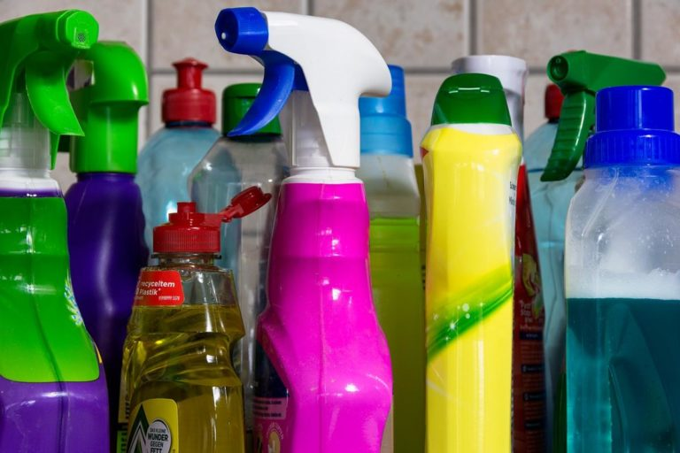 Czy zamgławianie chemiczne pomieszczeń jest szkodliwe?